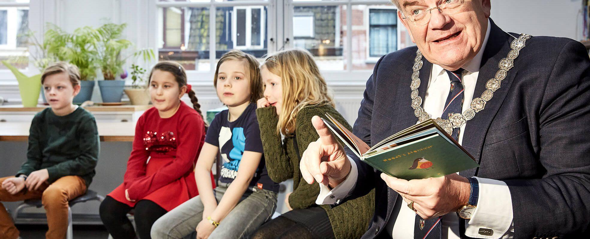 Burgemeester Jan van Zanen op OBS De Koekoek - ©Milan Hofmans, 24.01.2020 1